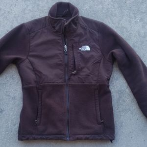 The North Face like new zip up cold weather jacket